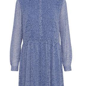 Virkelig fin Gestuz Clover kjole brugt en enkelt gang og derfor rigtig fin stand. Nypris 1000kr.