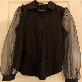 Fin skjorte fra Zara i str. S - aldrig brugt