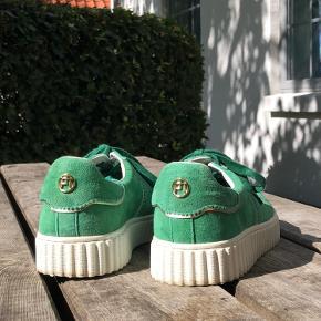 Sælger de her lækre Philip Hog sko jeg har fået i en farve der bare ikke passer til mig.