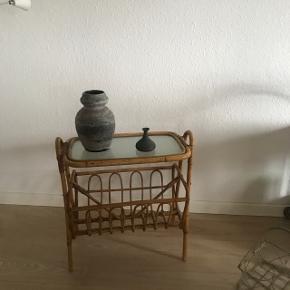 Ruscha vase 858 22 cm høj.                175krBambusavisholder reserveret   Randers nv ofte Århus Ålborg København mm  Til salg på flere sider