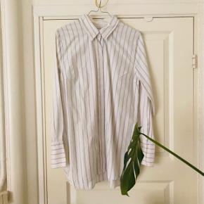 By Malene Birger Annah Shirt 🌺  Str. 38 - passer en S og M.