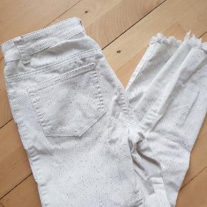 Size 26 Paint #splatter #unique #white jeans Godt men brugt