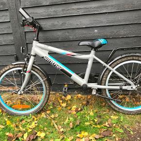 Winther Cykel. 3-5 år. Fodbremse, støtteben men uden gear.