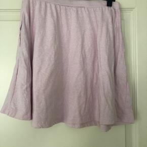 Sød løs nederdel fra Envii.