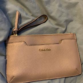 Calvin Klein - aldrig brugt, har bare lagt på hylden.