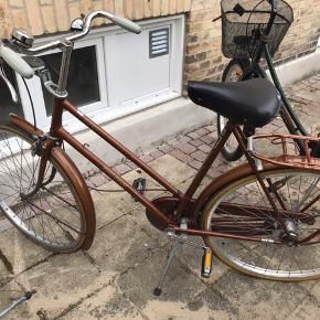 Raleigh retro / vintage cykel . Flot brun /gylden farve. Spørg endelig ved spørgsmål og byd gerne :)