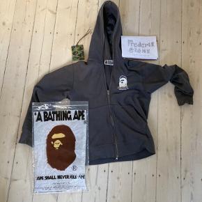 Bape x popeye zipup hoodie Original indpakning + tag Str. S Lækker kval Hh: 900kr Ellers BYD!