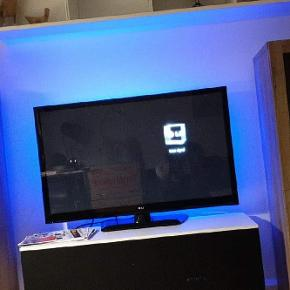 "LG 42PA4500 42"" Plasma TV | TruMotion 600Hz | HDTV | Picture Wizard Key Features Full HD 600Hz HD TV Picture Wizard Intelligent Sensor  Ring 29881848 - beskeder svares nok ikke her"