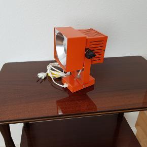 Retro Orange Spot i Metal. Se billederne
