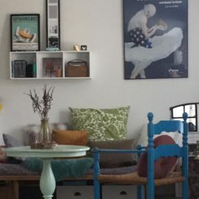 Sælger dette smukke vintage sofa bord / kaffebord i den lækreste mint farve . Virkeligt et skønt retro fund i god kvalitet. Køber henter i Aalborg eller Vodskov .
