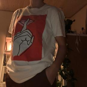 Rigtig fin t-shirt fra 'Reclaimed Vintage' Næsten som ny!!! Np: 173kr Mp: BYD