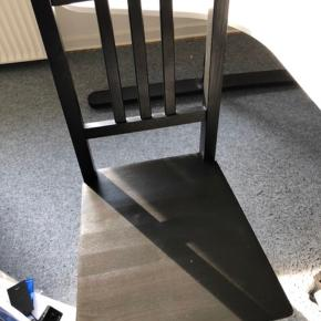 Sælger 3 af disse stole. Perfekte som ekstra stole vejer ikke særlig meget.