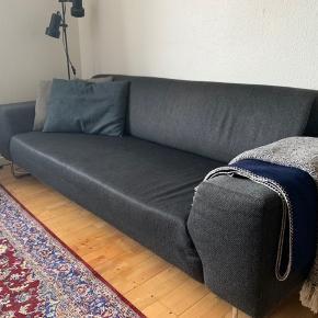 Sofa fra Idé Møbler.   B: 200 cm D: 90 cm