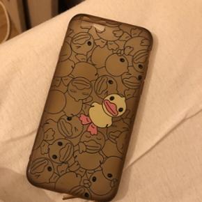 IPhone 6s cover med ænder på. Brugt men er i god standSender med DAO for 37 kr.