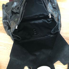 Mulberry Bayswater, Black cracked leather, limited edition - pung medfølger. Original kvittering  BYD