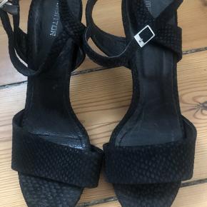 Mentor heels