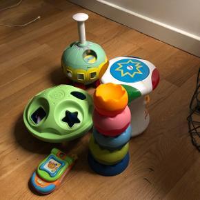 Diverse baby legesager. Brugt til et barn og er pænt og fint.