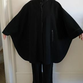 Damo Donna poncho, str. One size. Uld og cashmere