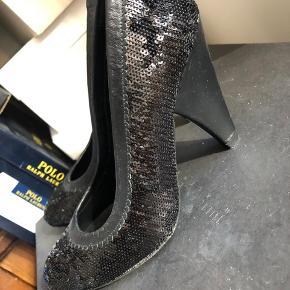 Flot sko med palietter fra Paco Gil by Night.