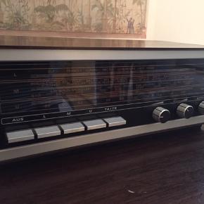 Grundig 50'er radio med stik  Fungerer fint :) Retro, vintage, anlæg, radio, musikafspiller, fra 1950'erne   Hentes på Nørrebro