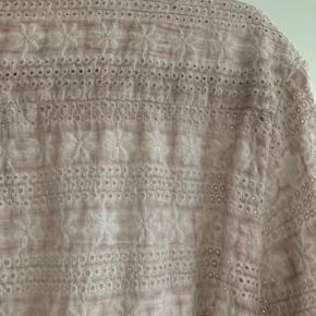 Fin bluse i lækker farve