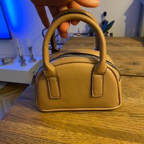 ASOS håndtaske