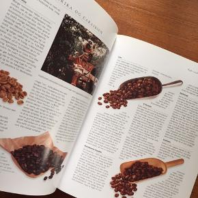 Bog om kaffe med historie og opskrifter.  Sender gerne 😊 Har også andre kogebøger til salg.