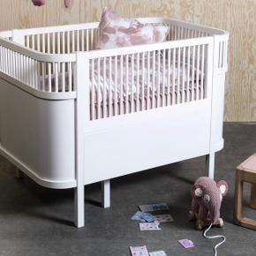 Sælger vores datters smukke sebra seng. Er næsten om ny da vi ikke får den brugt