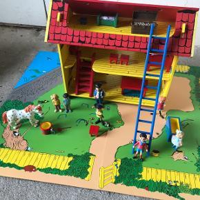 Pippi Langstrømpes hus med tilbehør :-)