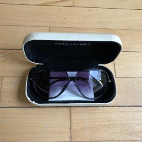 Unisex, very well-maintained Marc Jacobs sunglasses  *Can meet in Copenhagen upon agreement*