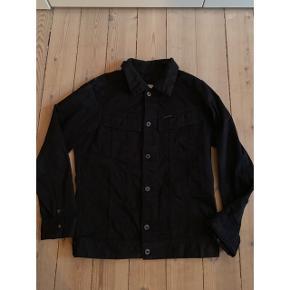 Unisex G-Star denim jacket sælges. Det er en medium men lidt lille i str.
