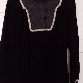 Whiite sweater