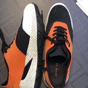 Fede herre Sneakers fra VFTS/1ST købt i Axel Kbh. Kun brugt kortvarigt to gange og fremstår derfor som ny.   Bytter ikke.