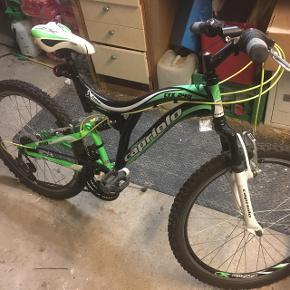"Mountainbike 24"" full suspension. Som ny næsten aldrig brugt delebarn.  Ny pris 1800kr."