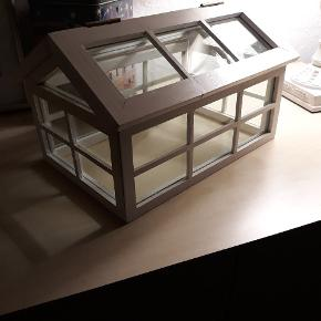 Sød lille pynte drivhus, 25kr
