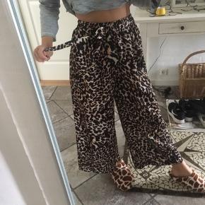 Helt nye leopard bukser nypris 550