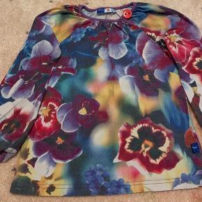 Flot bluse fra Molo.  Se alt mit fine pigetøj jeg har til salg på min profil.  Betaling via mobilepay + forsendelse.