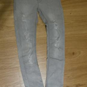 Hound jeans extra slim str M  Tænker det svarer til ca 152