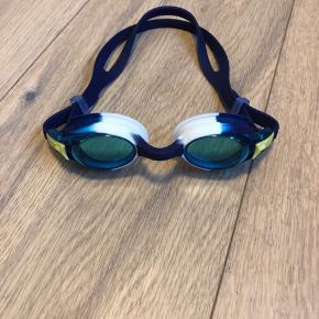 Junior svømmebriller