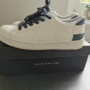 Tommy Hilfiger sneakers