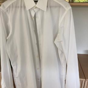 Smart skjorte str. 42 - Regular fit :-))