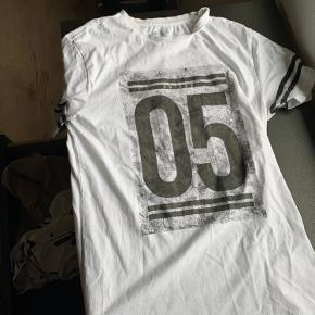 Gnious t-shirt
