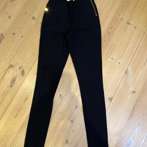 Benedikte Utzon bukser