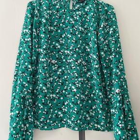 Gina Tricot overdel