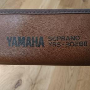 Yamaha sopran blokfløjte m. Læderitui og rensepind.  Model yrs-302BII