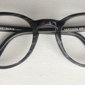 Brillestel fra franske JEAN LAFONT Paris.  Rigtig fin stand .  Nypris 2395 kr.