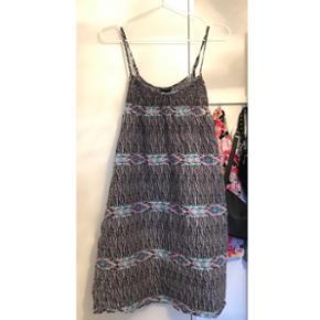 Sælger denne fine kjole fra H&M - str. 34