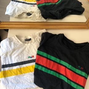 H20 t shirts  Den hvide er en xs og den sorte er en medium.   Hvert koster 50 kr og koster 80 kr samlet