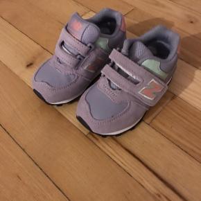 Helt nye sko fra New Balance. Normalpris 350kr, nu 100kr