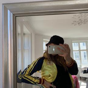 Super lækker reversible Munthe Simonsen jakke.   Skriv meget gerne PB efter flere billeder :))